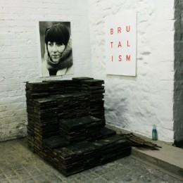 Idles – brutalism